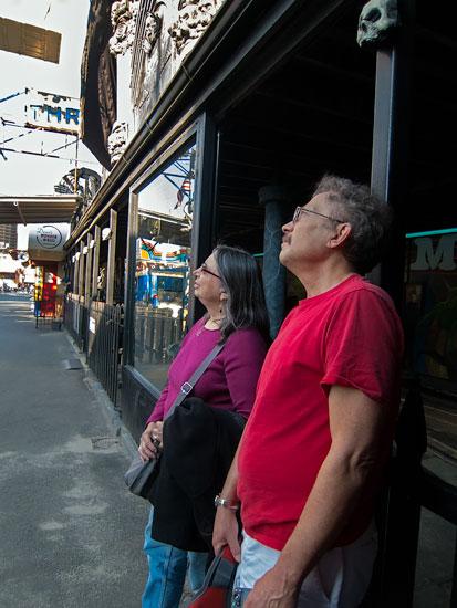 Marilyn and Jim gaze at the Wonder Wheel. Photo: Sheila Martin