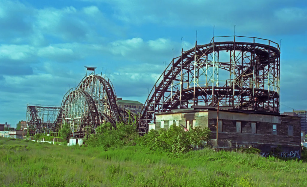 The Thunderbolt in 1998, the year after Mae Timpano moved out. Photo: Jim Blythe